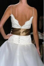 Load image into Gallery viewer, Monique Lhuillier 'Swan Lake' - Monique Lhuillier - Nearly Newlywed Bridal Boutique - 7