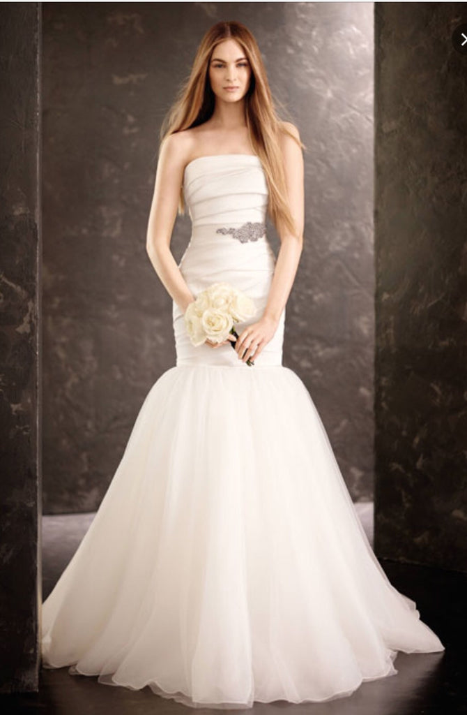 Vera Wang 'Mikado' - Vera Wang - Nearly Newlywed Bridal Boutique