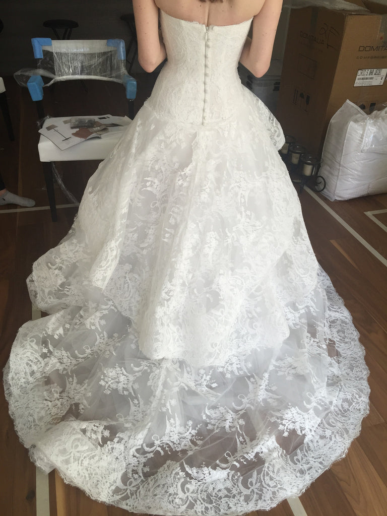 Monique Lhuillier 'Belle' - Monique Lhuillier - Nearly Newlywed Bridal Boutique - 1