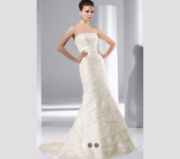 Demetrios 'Illusions 3142' - Demetrios - Nearly Newlywed Bridal Boutique - 1