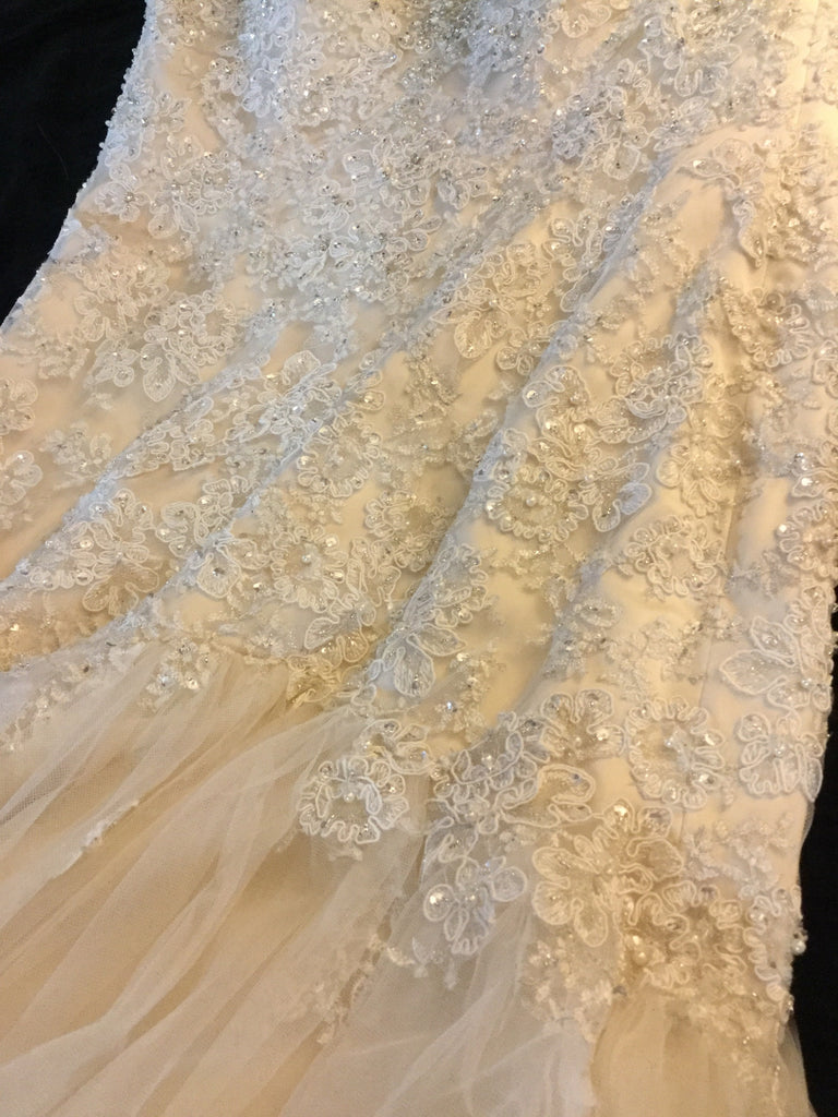 Stella York '6017' size 10 new wedding dress close up of fabric