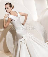 Load image into Gallery viewer, La Sposa 'Dorothy' - La Sposa - Nearly Newlywed Bridal Boutique - 2