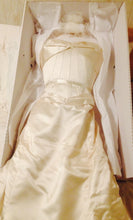 Load image into Gallery viewer, Elizabeth Fillmore 'Diva' - Elizabeth Fillmore - Nearly Newlywed Bridal Boutique - 3