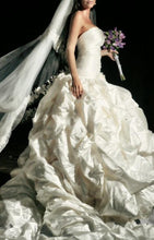 Load image into Gallery viewer, Ines Di Santo 'The Natalia' - Ines Di Santo - Nearly Newlywed Bridal Boutique - 4