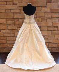 Kenneth Pool 'Luna' size 8 sample wedding dress back view on mannequin