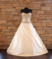 Kenneth Pool 'Luna' size 8 sample wedding dress front view on mannequin
