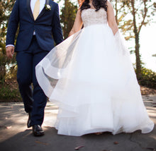 Load image into Gallery viewer, Hayley Paige 'Josie' - Hayley Paige - Nearly Newlywed Bridal Boutique - 1