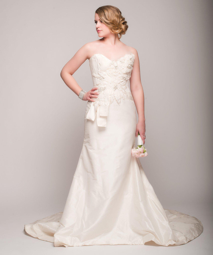 Elizabeth Fillmore 'Analise' Ivory Taffeta Wedding Dress - Elizabeth Fillmore - Nearly Newlywed Bridal Boutique - 1