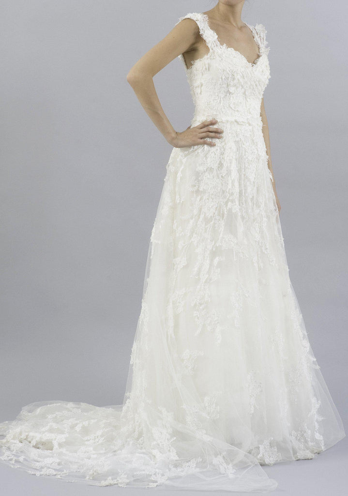 Elie Saab Caelum Lace and Tulle Wedding Dress - Elie Saab - Nearly Newlywed Bridal Boutique - 3