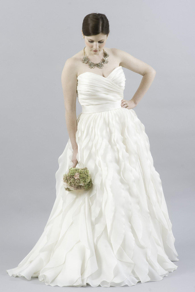 Monique Lhuillier Winter Ruffled Organza Dress - Monique Lhuillier - Nearly Newlywed Bridal Boutique - 1