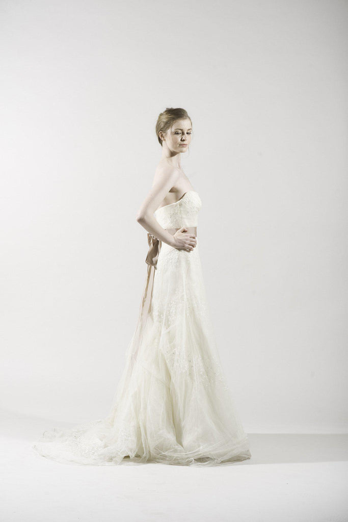 Vera Wang Ivory Lace Organza Gown - Vera Wang - Nearly Newlywed Bridal Boutique - 2