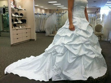 Load image into Gallery viewer, Oleg Cassini 'Strapless' - Oleg Cassini - Nearly Newlywed Bridal Boutique - 3