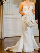 Load image into Gallery viewer, J. Mendel 'Valentine' - J. Mendel - Nearly Newlywed Bridal Boutique - 2