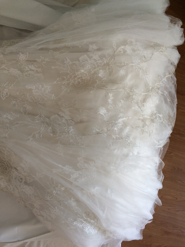 Monique Lhuillier 'Cherish' - Monique Lhuillier - Nearly Newlywed Bridal Boutique - 2