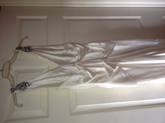 Vera Wang V-neck Silk Old Hollywood Wedding Dress - Vera Wang - Nearly Newlywed Bridal Boutique - 4