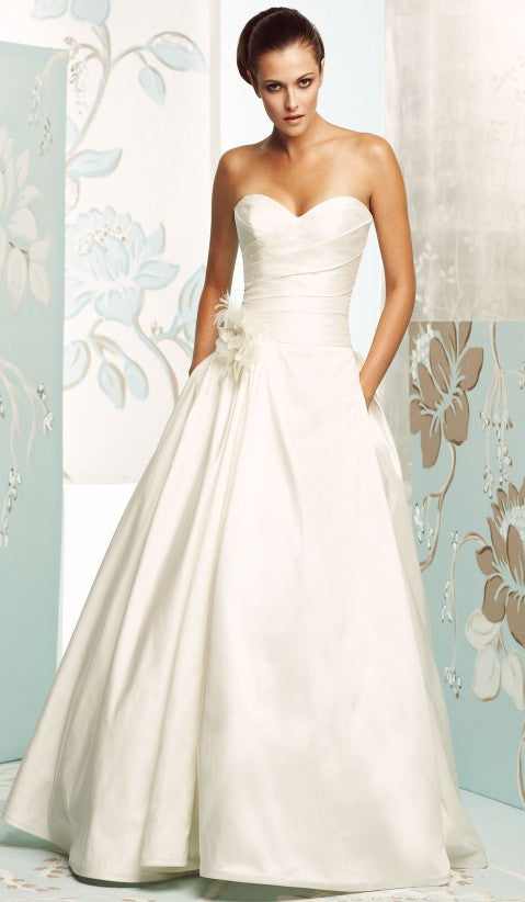 Paloma Blanca 'Silk Dupioni' - Paloma Blanca - Nearly Newlywed Bridal Boutique - 2
