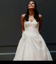 Load image into Gallery viewer, Paloma Blanca 'Silk Dupioni' - Paloma Blanca - Nearly Newlywed Bridal Boutique - 3