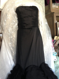 Vera Wang Black Tulle Mermaid Wedding Dress - Vera Wang - Nearly Newlywed Bridal Boutique - 4