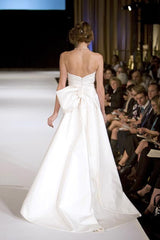 Jenny Lee 'Silk Taffeta' size 4 used wedding dress back view on model