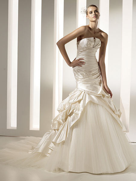 Pronovias 'Megan' - Pronovias - Nearly Newlywed Bridal Boutique - 3