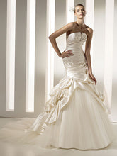 Load image into Gallery viewer, Pronovias 'Megan' - Pronovias - Nearly Newlywed Bridal Boutique - 3