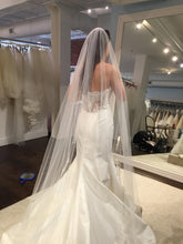 Load image into Gallery viewer, Legends of Romona Keveza 'Jessica' L5132 - Romona Keveza - Nearly Newlywed Bridal Boutique - 4