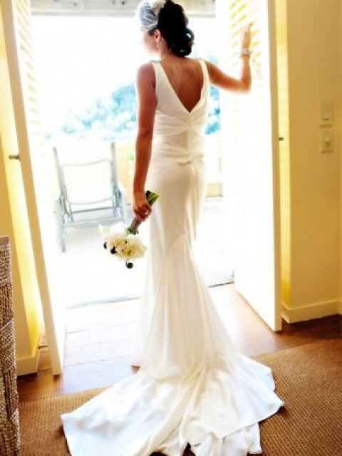 Vera Wang V-neck Silk Old Hollywood Wedding Dress - Vera Wang - Nearly Newlywed Bridal Boutique - 2