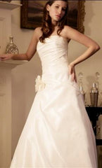 Augusta Jones 'Anushka' size 4 used wedding dress front view on model