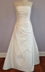 Augusta Jones 'Anushka' size 4 used wedding dress front view on mannequin