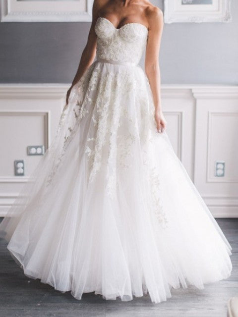 Reem Acra 'Heavenly Lace' - Reem Acra - Nearly Newlywed Bridal Boutique - 3