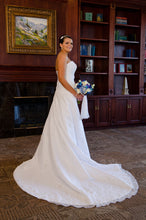 Load image into Gallery viewer, Mori Lee '2105' - Mori Lee - Nearly Newlywed Bridal Boutique - 5