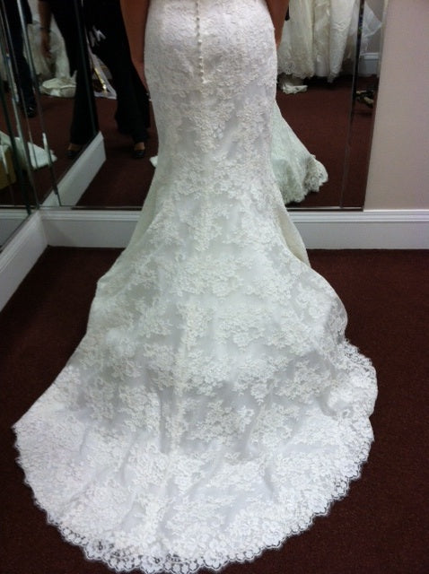Allure Bridal '9000' size 4 used wedding dress back view on bride