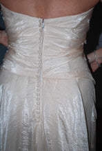 Load image into Gallery viewer, Pronovias 'Uango' - Pronovias - Nearly Newlywed Bridal Boutique - 4