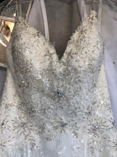 Load image into Gallery viewer, Stella York '6347' size 4 new wedding dress front view flat
