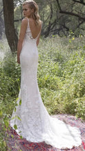 Load image into Gallery viewer, Limor Rosen 'Holly' size 8 used wedding dress back view on model