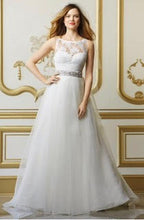 Load image into Gallery viewer, Wtoo 'Cordelia' size 0 new wedding dress front view on model