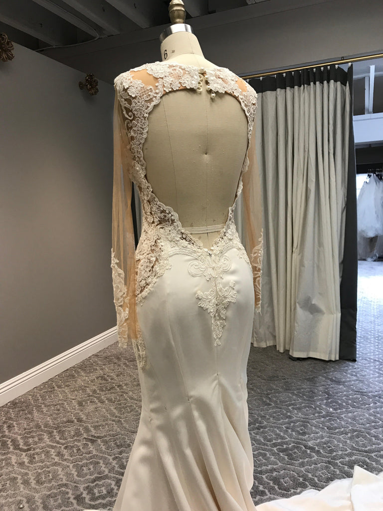 Galia Lahav 'Alora' size 6 new wedding dress back view on mannequin