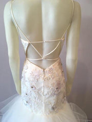 Hayley Paige 'Honor' size 6 new wedding dress back view on mannequin