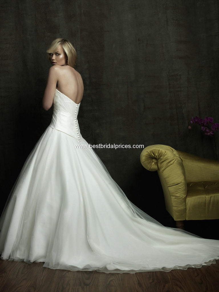 Allure Bridals '8816' size 4 used wedding dress back view on model