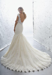 Mori Lee 'Karisma' size 8 used wedding dress back view on model