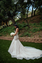 Load image into Gallery viewer, Stella York '6541' size 6 used wedding dress side view on bride