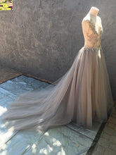 Load image into Gallery viewer, Creature of Habit 'Custom Tulle' size 6 new wedding dress side view on mannequin