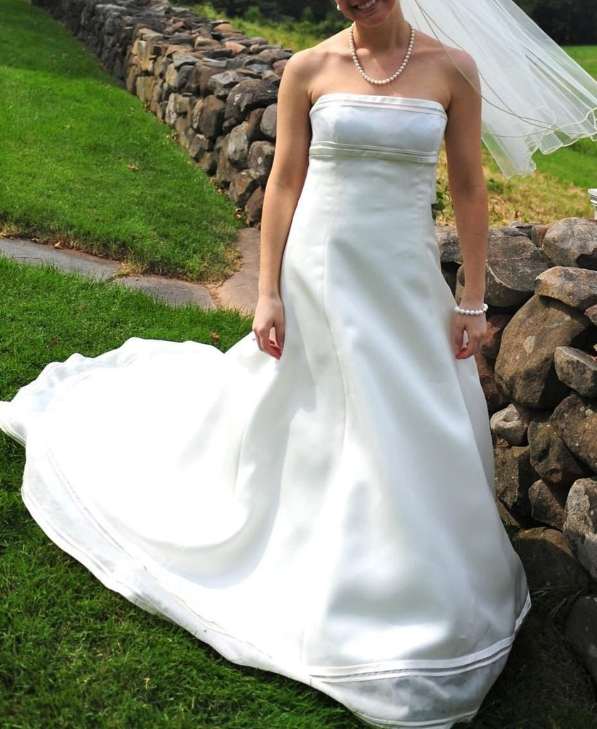 Vera Wang 'Emily' size 8 used wedding dress front view on bride