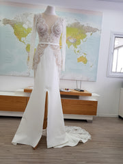 Lian Rokman 'Sea Shells' size 4 used wedding dress front view on mannequin