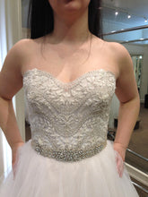 Load image into Gallery viewer, Eve of Milady '1508' - eve of milady - Nearly Newlywed Bridal Boutique - 2