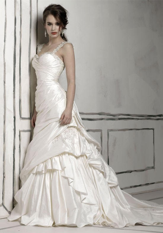 Justin Alexander '8506' size 4 used wedding dress side view on model