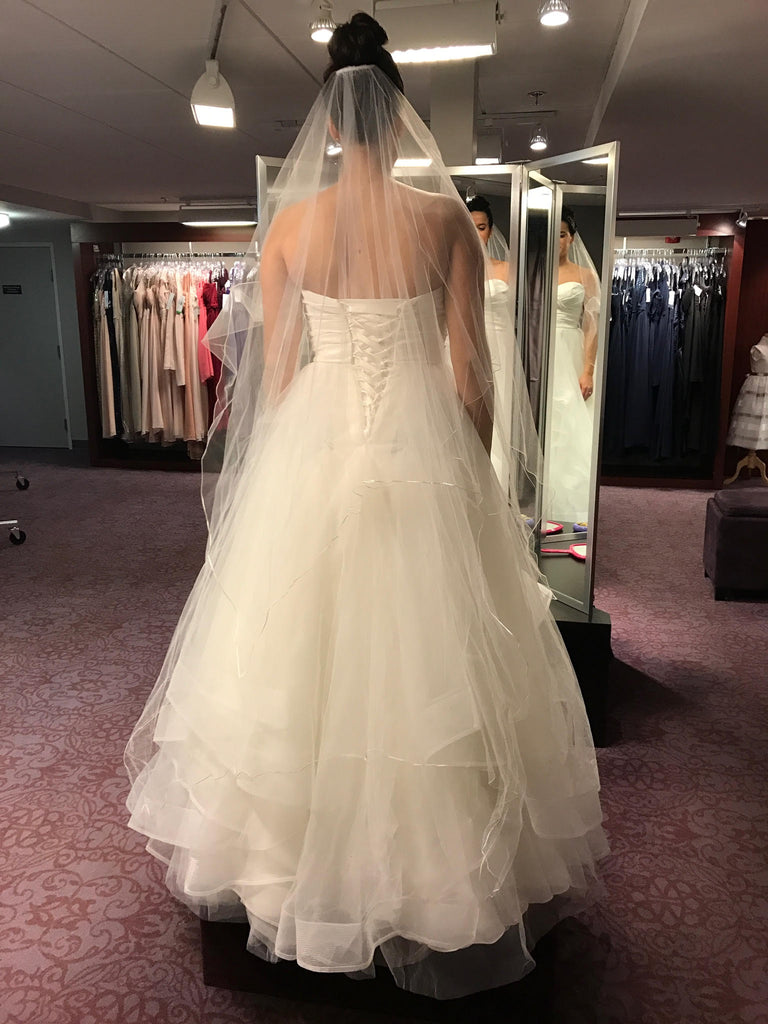 Watters 'Selena' size 6 used wedding dress back view on bride