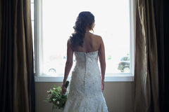 Allure Bridals '8958' size 12 used wedding dress back view on bride