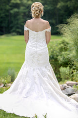 Essence of Australia ' D1617' size 14 used wedding dress back view on bride