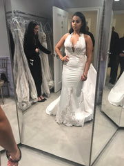 Pnina Tornai '4457' size 6 sample wedding dress front view on bride